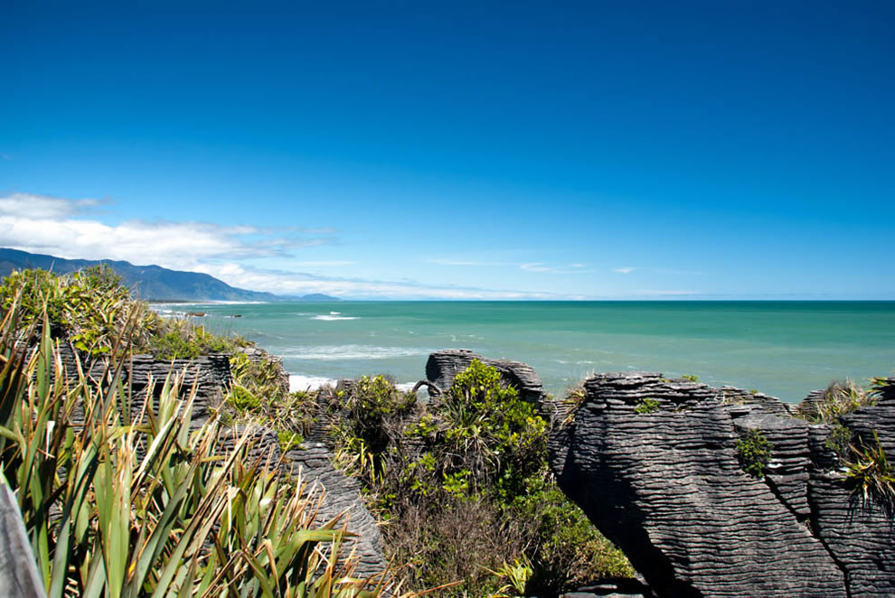 Great-scene-of-Pancake-Rocks-Punakaiki-West-Coast-of-New-Zealand