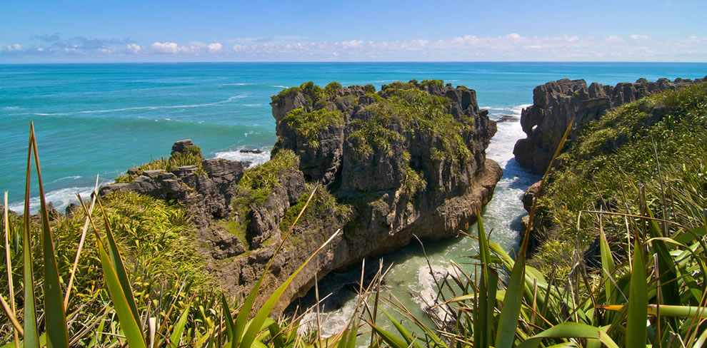 Paparoa-National-Park-made-famous-by-Pancake-Rocks-Punakaiki