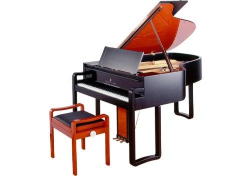 karl-lagerfeld-piano