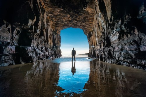 Cave-along-New-Zealand-beach