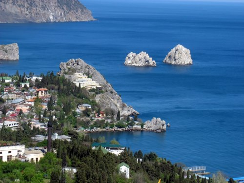 Adalary-island-rocks-off-Crimea