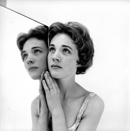 JULIE-ANDREWS-1959-1-c27697