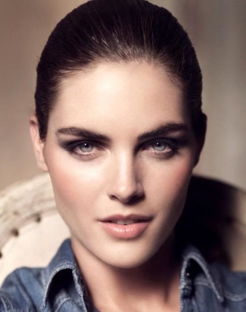 Hilary Rhoda eyebrows