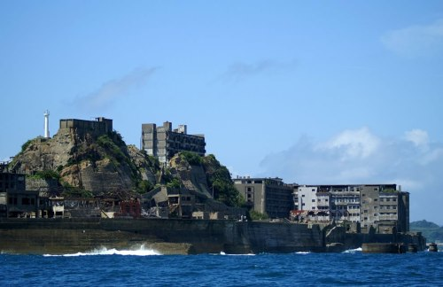Industrial-ruins-of-Hashima