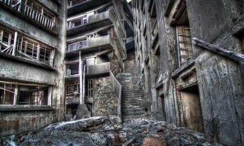 Stairway-To-Hell-Gunkanjima