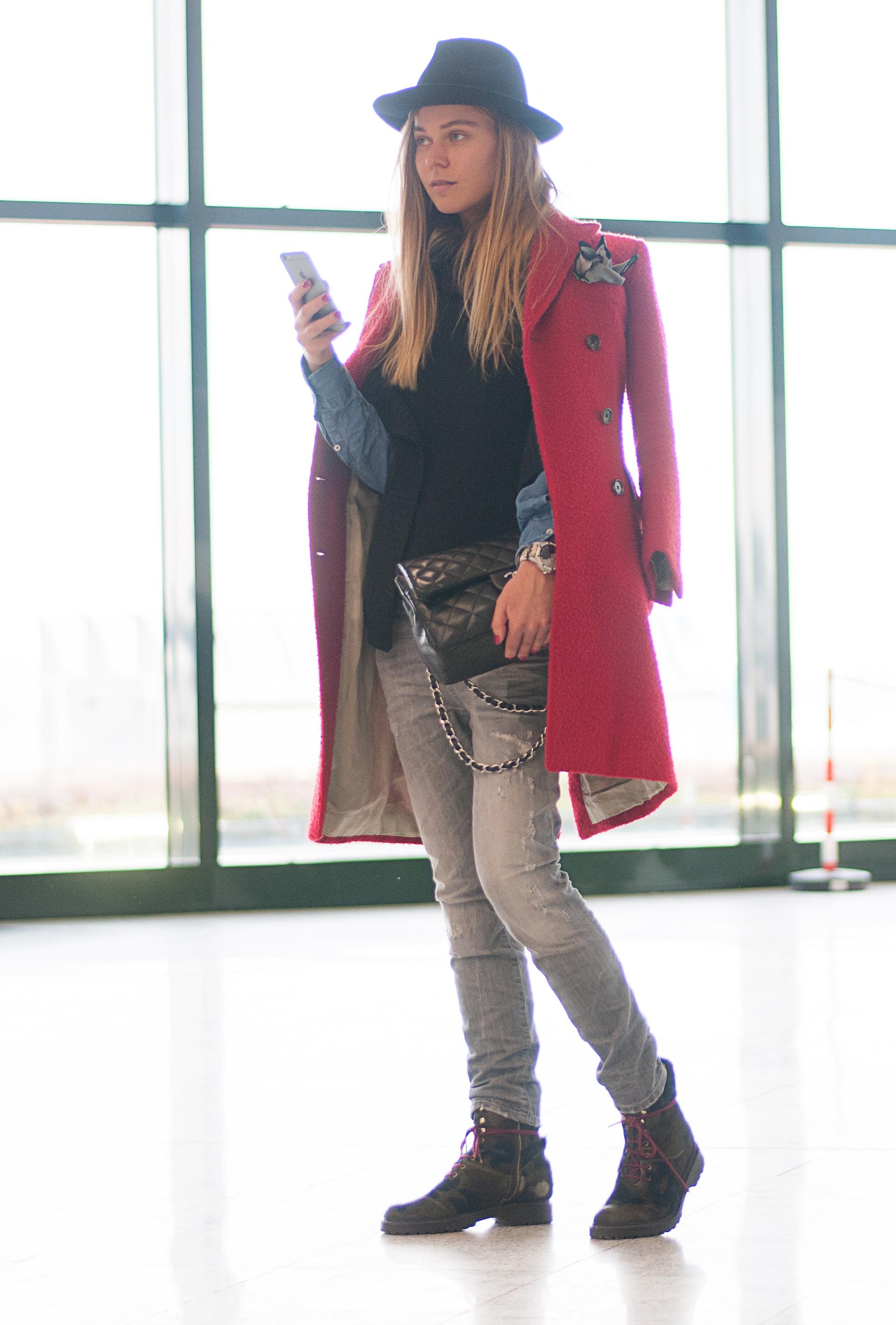svetlana shashkova in casantino red coat
