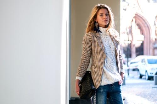 svetlana shashkova in vintage plais blazer