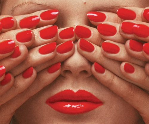 guy-bourdin-vogue-paris-may-1970