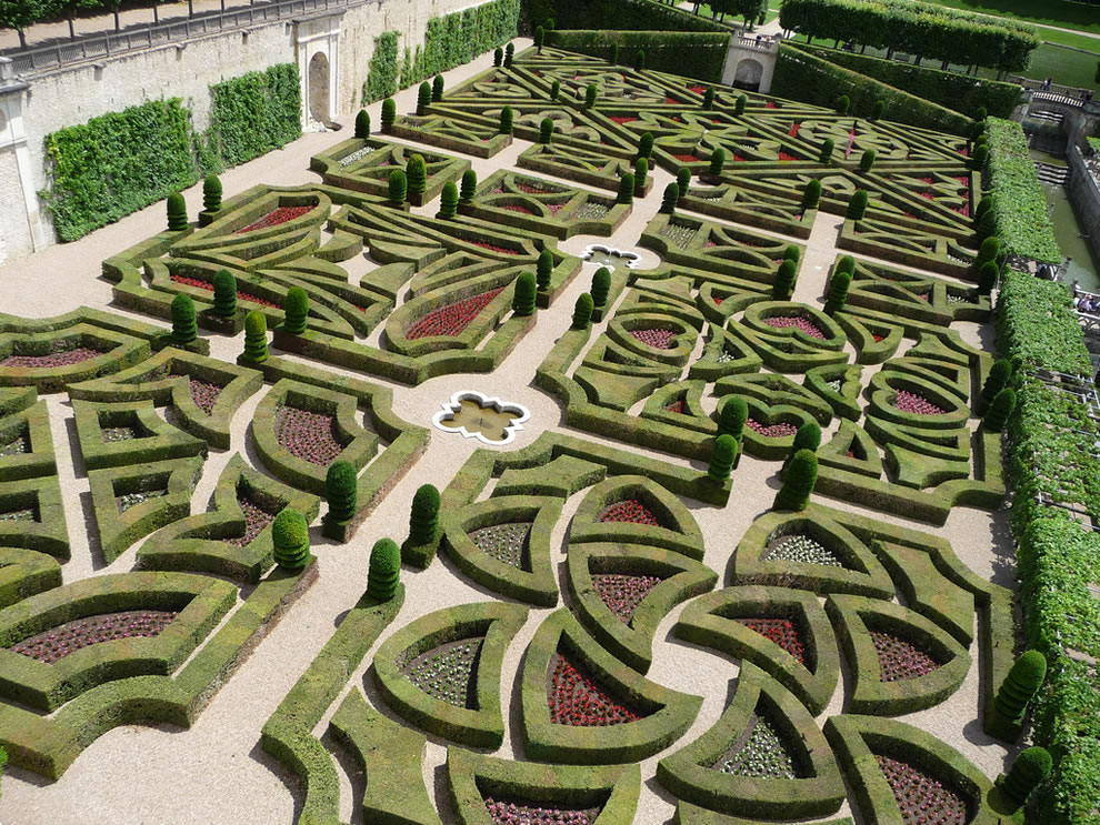 gorgeous-gardens-of-Chateau-de-Villandry