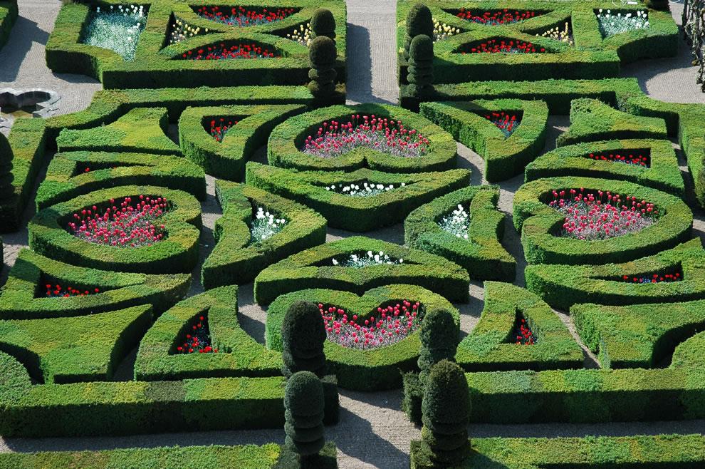 Renaissance-Tender-Love-gardens-of-Villandry