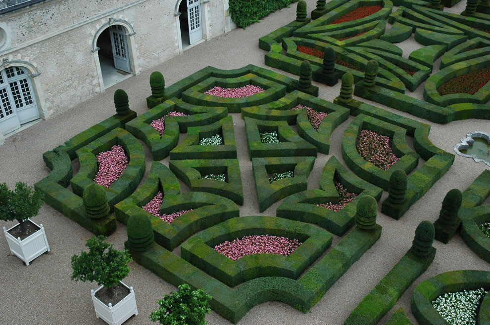 Renaissance-Villandry-Garden-of-Love-Fickle-Love-quadrant