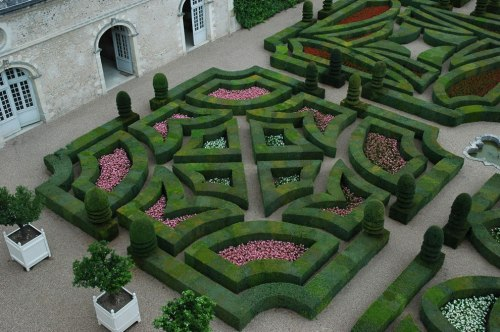 Renaissance-Villandry-Garden-of-Love-Fickle-Love-quadrant
