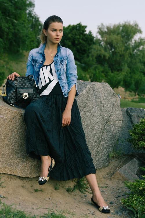 Svetlana shashkova sporting chic urban style