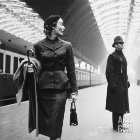 toni-frissell-victoria-station-london