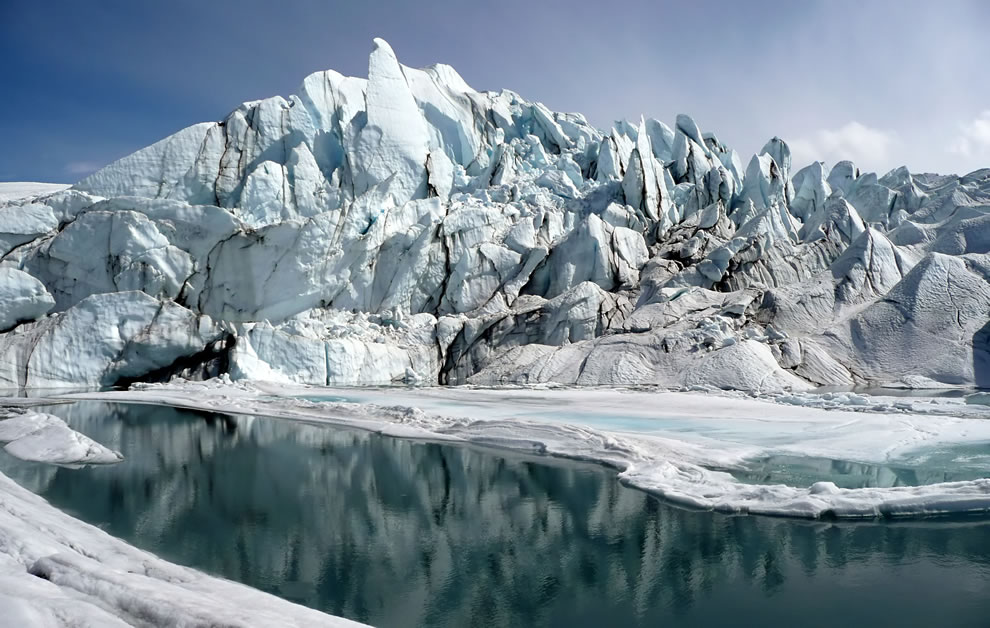 Mouth-of-the-Matanuska-Glacier-in-Alaska