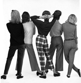 lg_5112941_Group_of_models_in_trousers_p