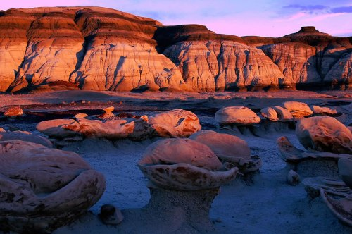 Queens-Chamber-Bisti-Badlands-New-Mexico