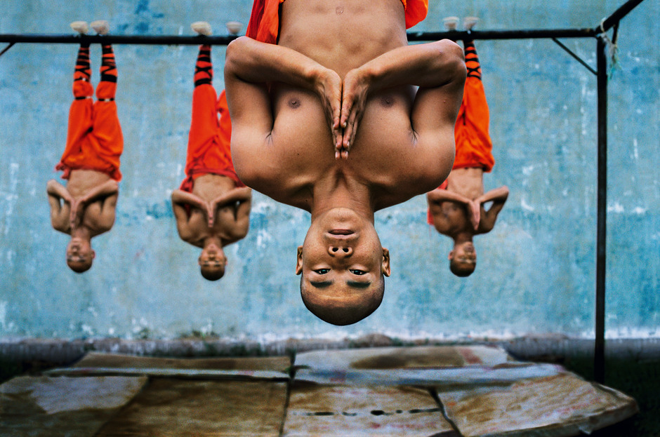 CHINA. Zhengzou. 2004. Shaolin monks training.