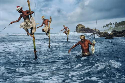 SRI LANKA. South Coast. Weligama. 1995. Fishermen.