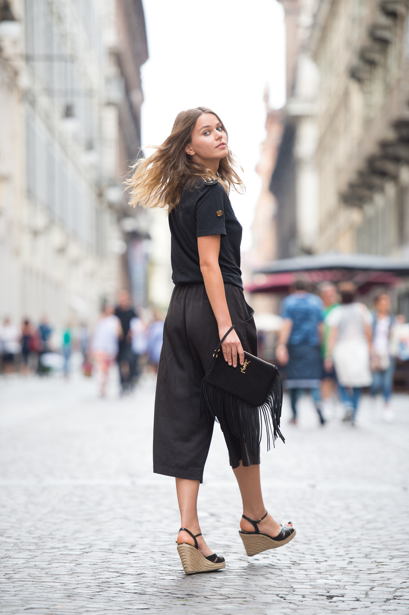 breezy summer in black with svetlana shashkova