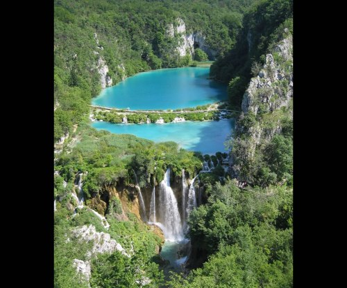 Falling-Lakes-Plitvice-National-Park-Croatia