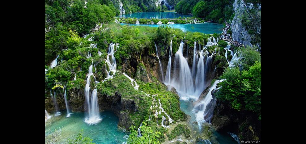 Plitvice-Waterfalls-at-Plitvicka-Jezera-National-Park