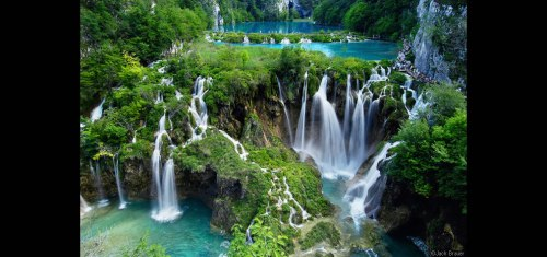 Plitvice-Waterfalls-at-Plitvicka-Jezera-National-Park