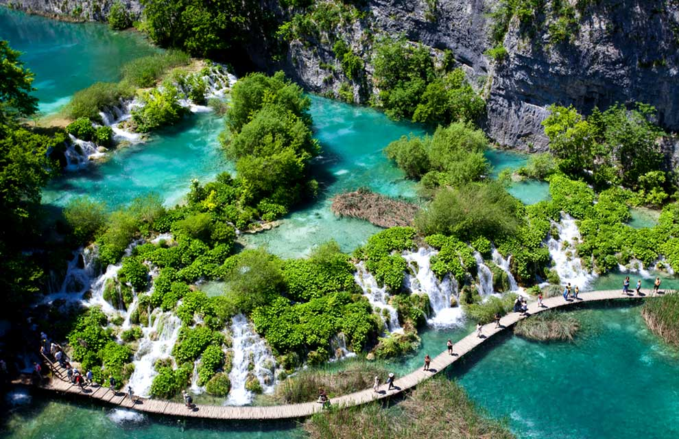 Walking-through-Plitvice-NP