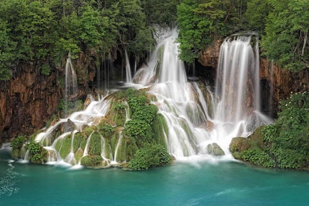 Waterfalls-of-Plitvice-Croatia