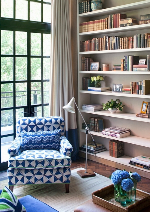 Turn-the-living-room-corner-into-a-simple-reading-nook