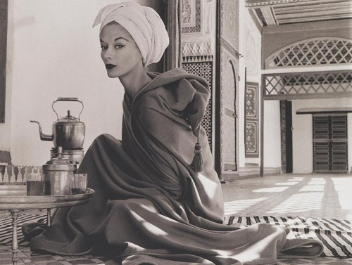 penn_woman_in_moroccan_palace-794x600