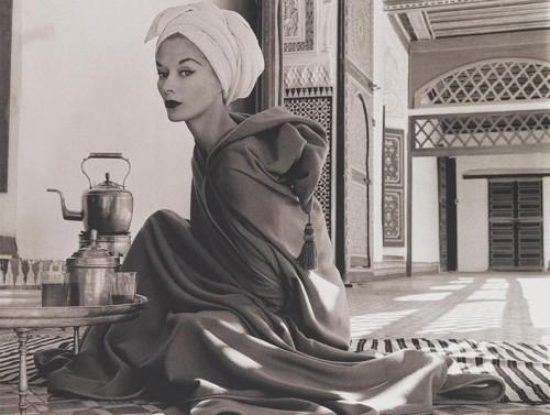 penn_woman_in_moroccan_palace-794x600