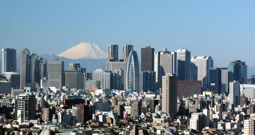 view-of-shinjuku-skyscrapers-and-mount-fuji-as-seen-from-the-bunkyo-civic-center-in-tokyo