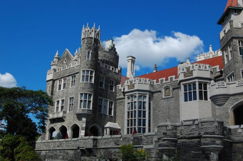 built-for-love-in-canada-casa-loma