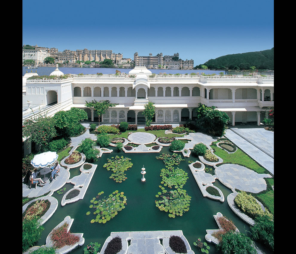 taj-lake-palace-begun-as-a-princes-rebellious-gesture-but-was-turned-into-one-of-the-most-romantic-hotels-in-the-world1