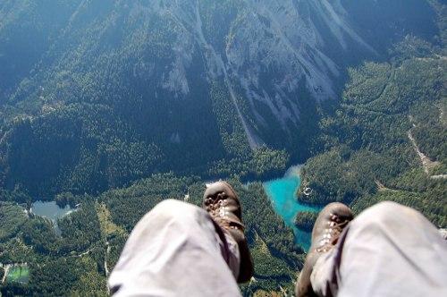 Paragliding-over-Grüner-See