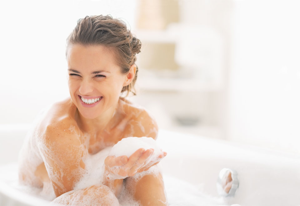 woman_bath_smilling