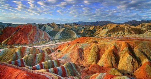 striped-mountains-china-rainbow-hills