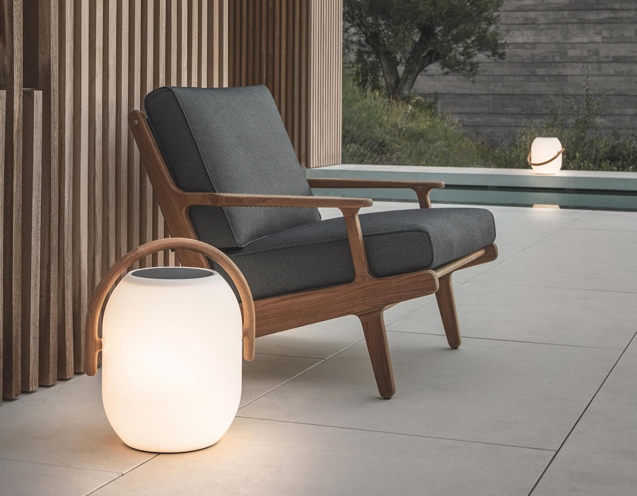 Gloster-Ambient-Cocoon-Outdoor-Light-01