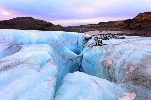 Complete-guide-to-glacier-hiking-in-Iceland