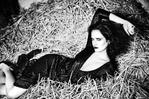 Eva_Green_in_Glamour_Italia_August_2016_master