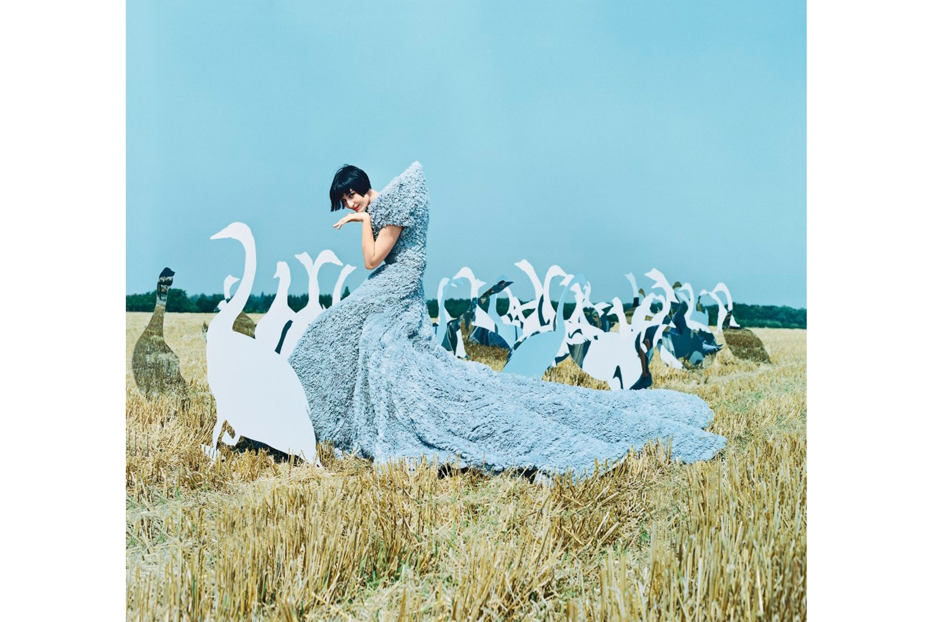 tim-walker-vogue-6-27mar14-tw_b