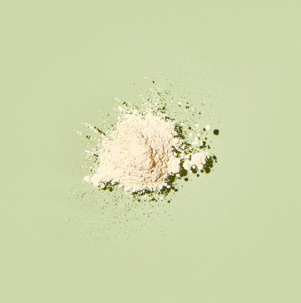 supergoop__100_mineralinvinciblesettingpowder_swipe_710x715_466b331a-5b05-498a-b9d2-9b1ada48ba47_1024x-1